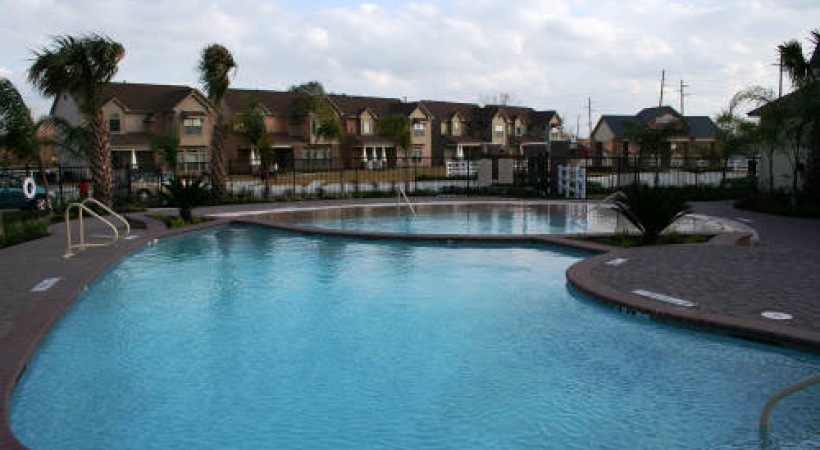Parkway Ranch Pool with Houses